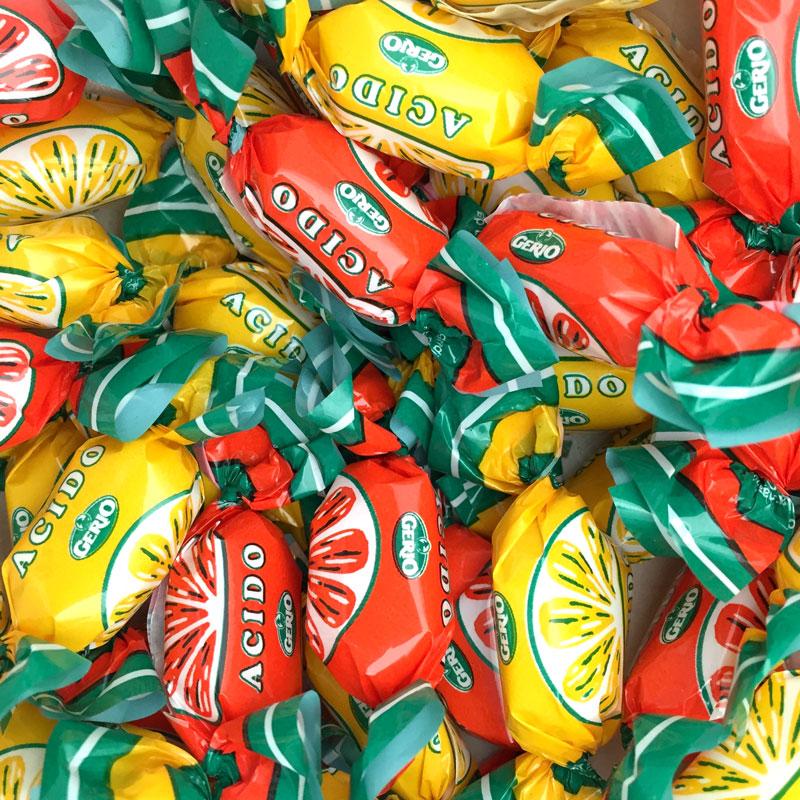 Gajos ácidos de naranja y limón