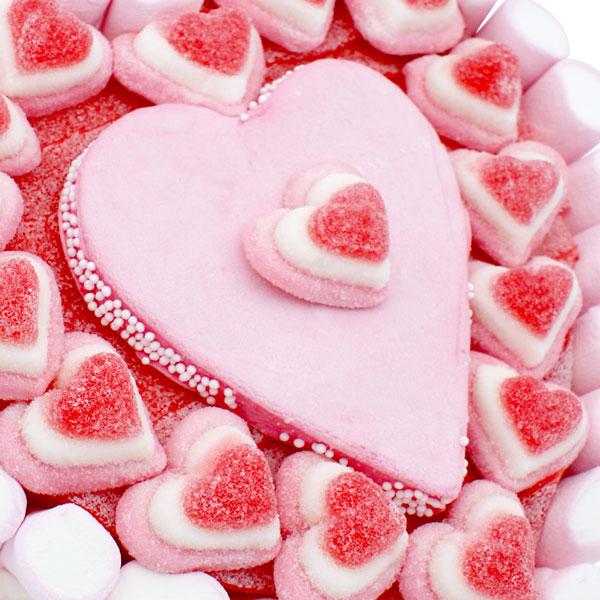 Gâteau coeur de guimauve et bonbons gélifiés
