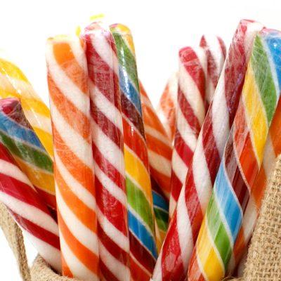 Palos de caramelo surtido colores alegres